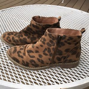Other - Leopard print booties